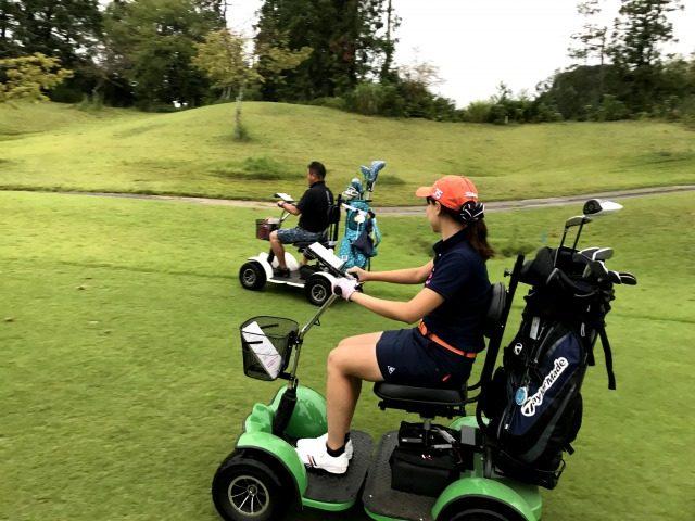 ゴルフ 1 人