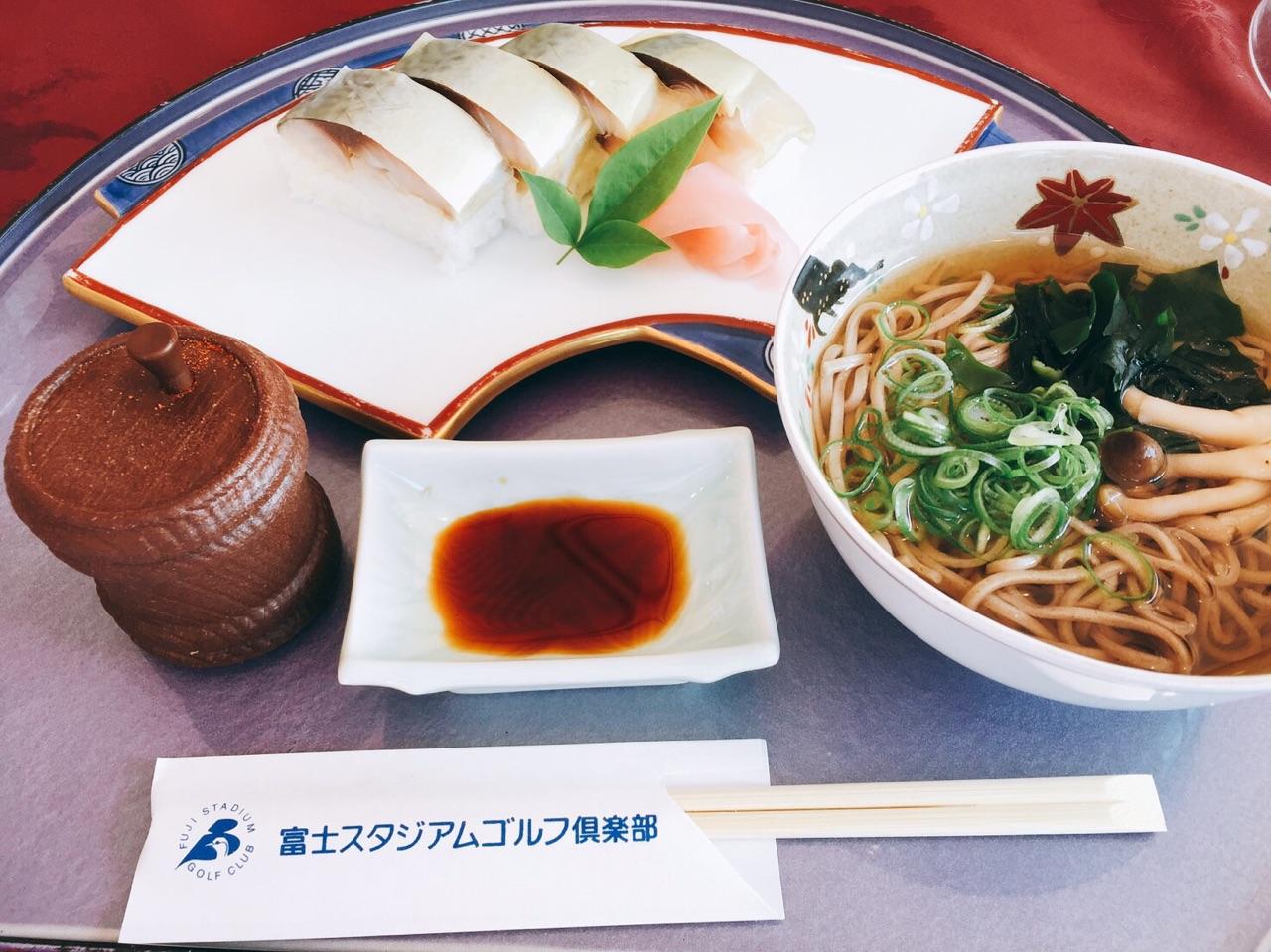 鯖寿司と半たまそば 昼食券+380円
